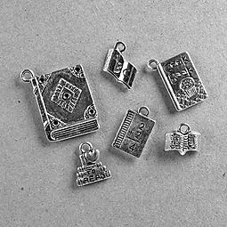 FREE Booklovers' Charm Set